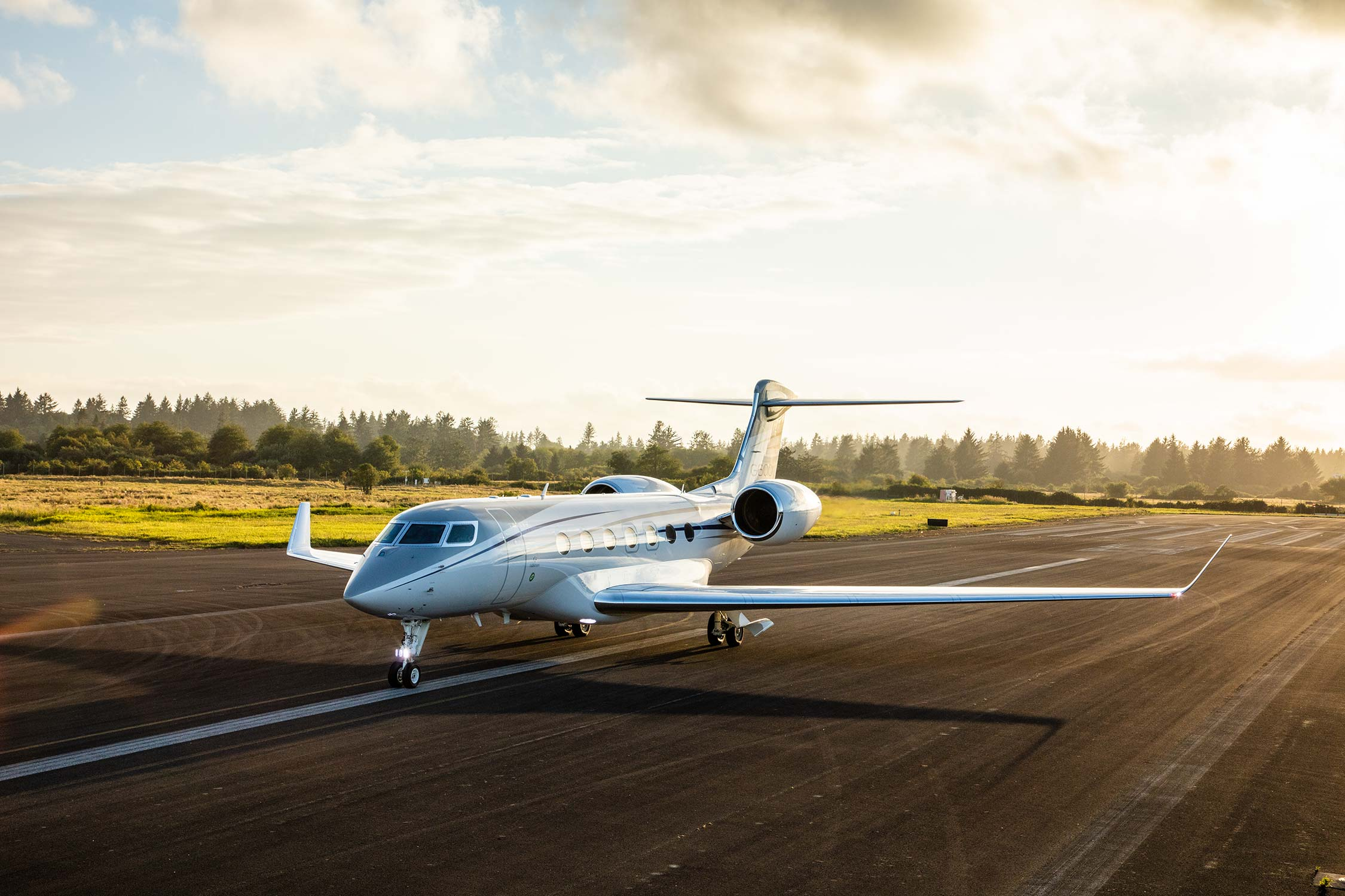 G600 on runway